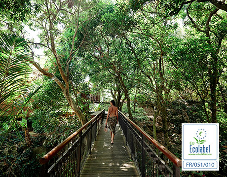 Promenade dans lesjardins du Palm Hotel & Spa