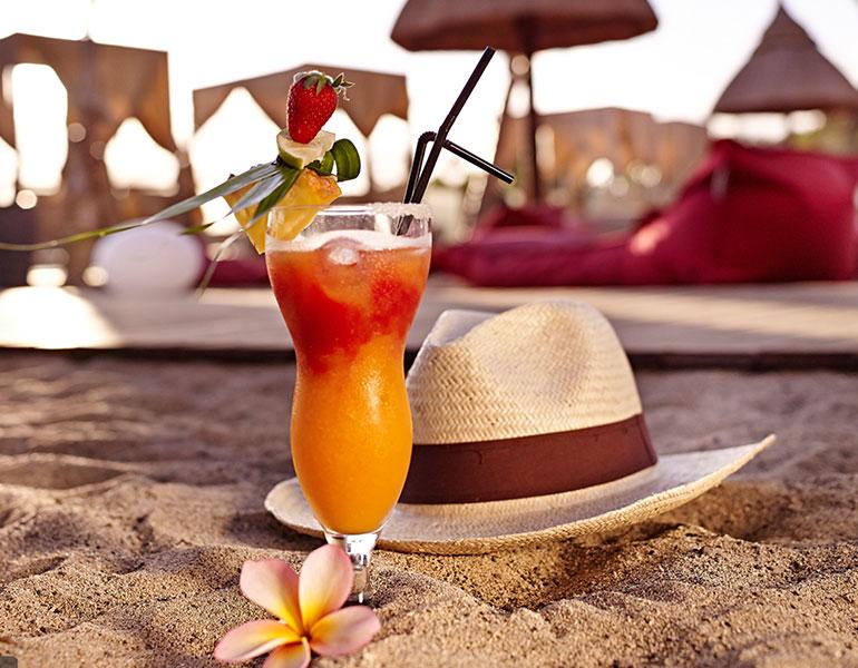 Cocktail sur la plage du Kah Beach