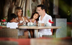 Vacances en famille au PALM Hotel & Spa