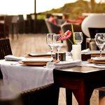 Table dressée au restaurant MAKASSAR